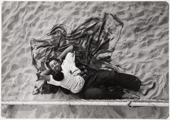 """Father and Child, Coney Island,"" Lou Bernstein, 1943. Copyright © Lou Bernstein Estate. Courtesy of the International Center of Photography (www.icp.org)."