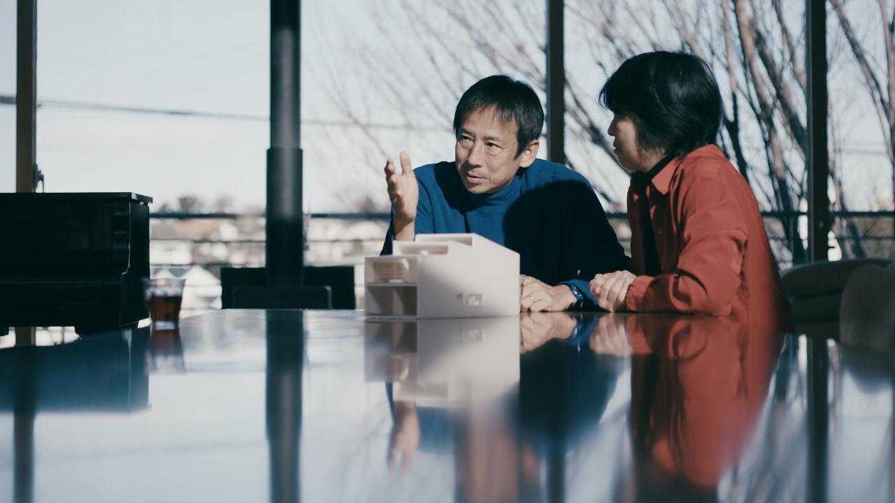 Photograph of Takaharu and Yui Tezuka by Yutaka Obara.