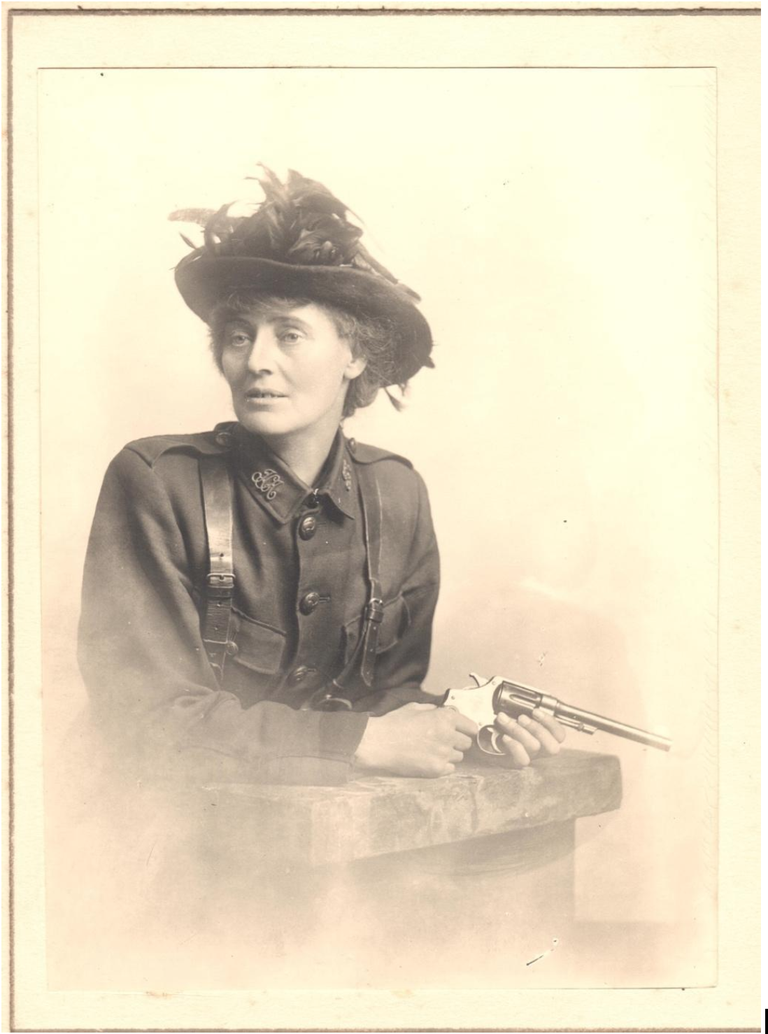 Photograph of Countess Constance Markievicz in the uniform of the Irish Citizen Army, c. 1916. Courtesy of Kilmainham Gaol Museum.